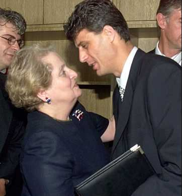 Madeleine Albrightová: strůjce bombardování Kosova, která se netají nenávistí k Srbům