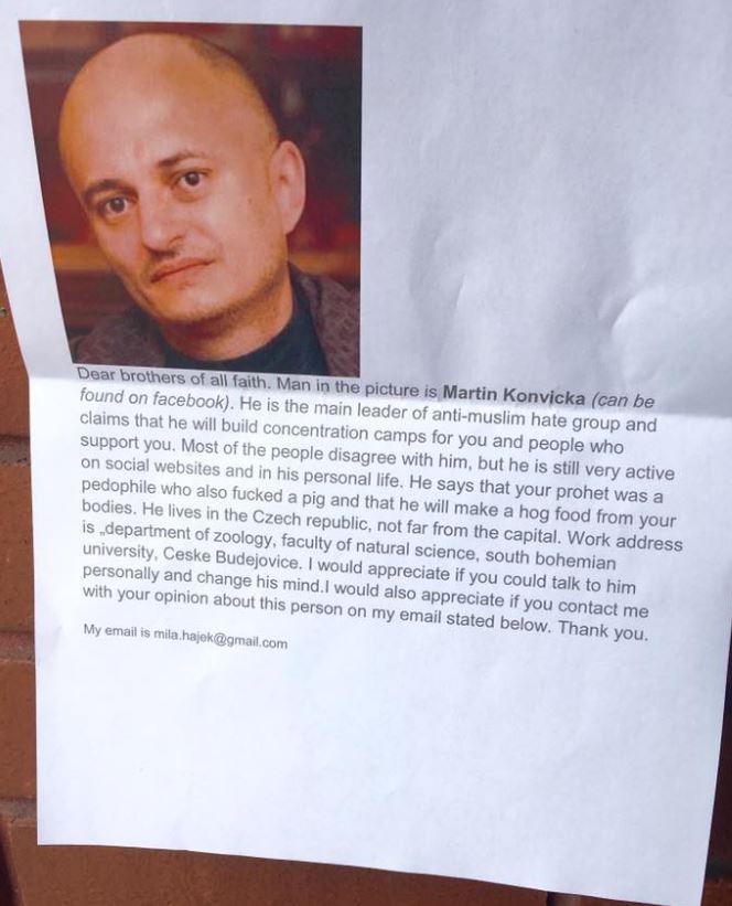 Vyvěsil na zeď v Londýně fotku Konvičky s adresou: Abyste ho mohli navštívit, vyzývá muslimy