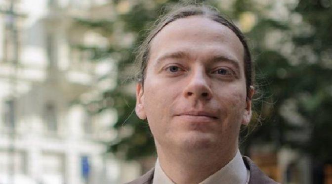 ROZHOVOR: Český volič je ve volbě konzistentní euroskeptické strany osamocen, říká Marian Kechlibar