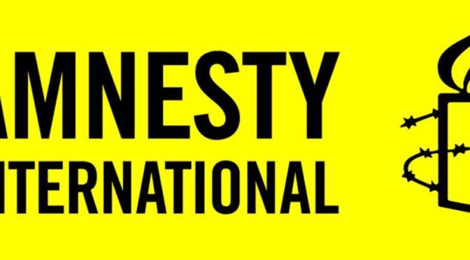 Amnesty International na Facebooku obhajuje islám. Zpochybňuje právo jej kritizovat