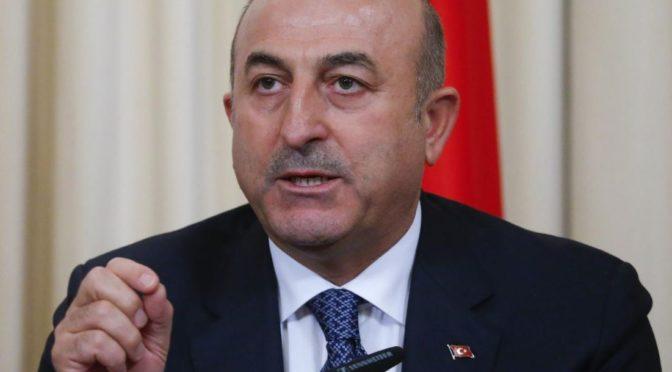 Turecký ministr zahraničí: Evropu čeká svatá válka