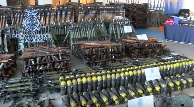 Europol odhalil ve Španělsku ilegální arzenál plný zbraní pro džihádisty