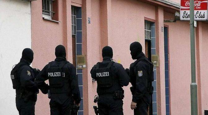 V Německu zavřeli mešitu. Tamní imám vyzýval k zabíjení nemuslimů