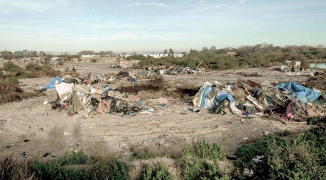 Ilegální migranti se vrací do Calais, lákají je neziskovky