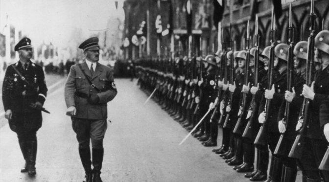 Nacismus nebyl krajní pravicí. Opakujme to pořád dokola