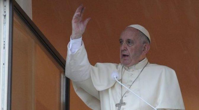"""Jak Papež šířením nenávisti """"bojuje proti nenávisti."""" A za peníze od Sorose"""