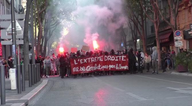 Antifa rozpoutala násilí na mítinku Alternativy pro Německo. Ta je nyní rozhádaná