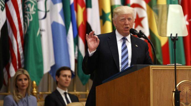 Trump při projevu v Saúdské Arábii nebyl tak rezignovaný, jak píší média