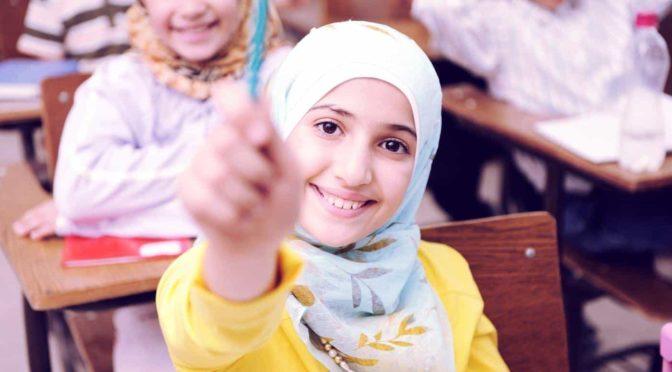 Děti do hidžábů! Na základní škole se v rámci multikulturalismu propaguje islám