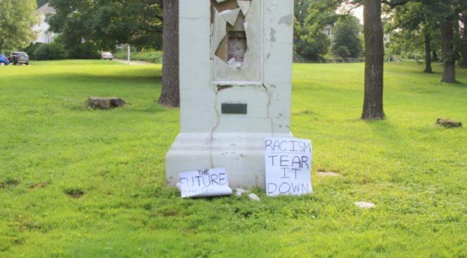 Zničili památník Kryštofa Kolumba. Označili to za boj proti rasismu