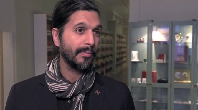 Pákistánec za plné podpory švédské vlády likviduje švédské artefakty