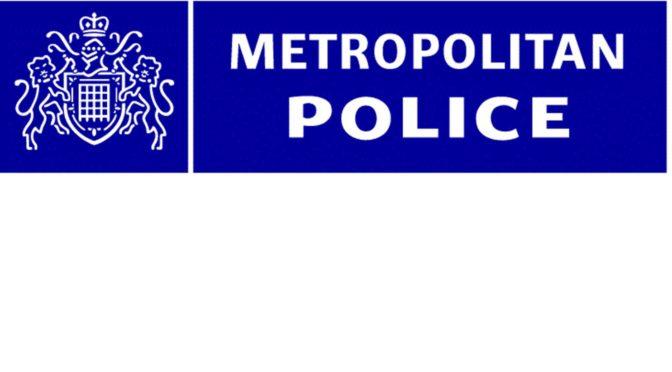 Zločin z nenávisti může být vlastně úplně cokoliv, tvrdí britská policie v prohlášení