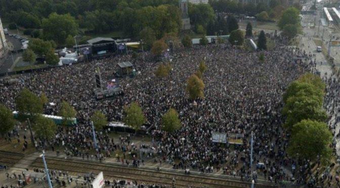 MANIPULACE: 65 000 lidí proti rasismu? Naprostý nesmysl