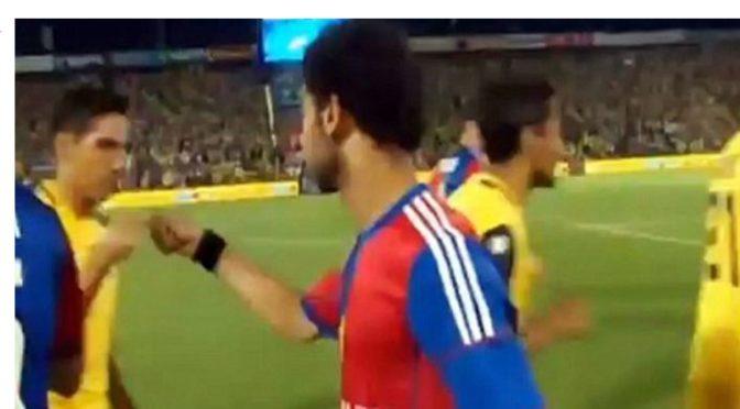 """Podle Seznam zpráv """"mírumilovný"""" muslimský fotbalista. Saláh však ukazuje, že nenávidí Izraelce a Židy"""