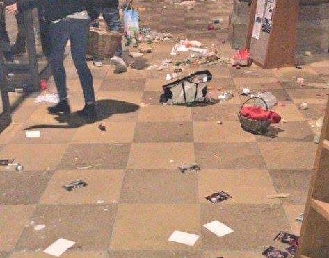 Afričan vběhl v Mnichově do kostela s dělobuchy. V panice se zranilo 24 lidí